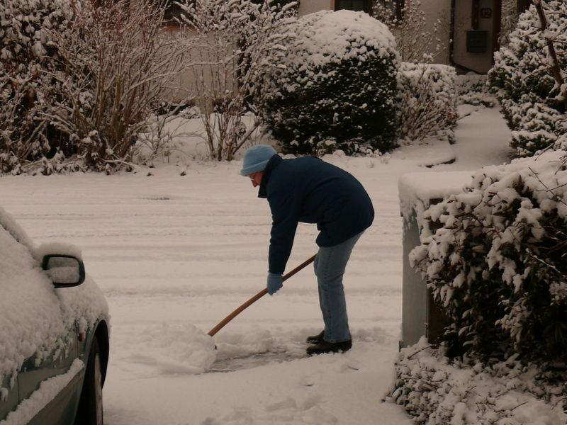 Schneeschippen nach BrowniegenussJPG