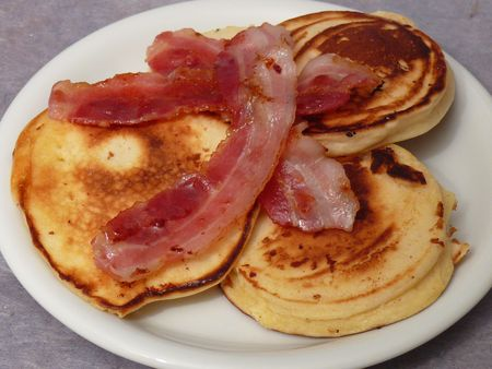 Buttermilch-Pfannkuchen mit Speck (Pulp Fiction)