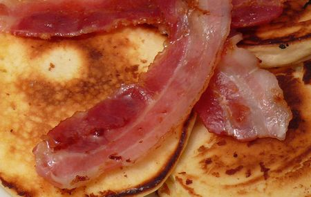 Buttermilch-Pfannkuchen mit Speck (Pulp Fiction)1