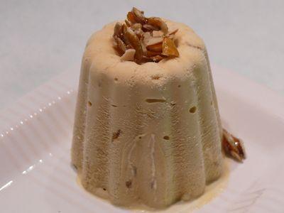 Semifreddo mit Kürbiskernkrokant