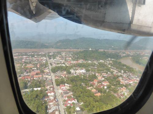 Anflug auf Luang Prabang (Laos) mit Mekong und Nam Khan