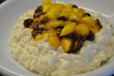 Milchreis mit karamellisierter Mango