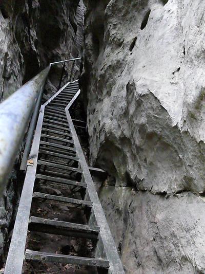 Steile_treppe1_3